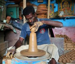 Potter working, Bangalore India.jpg